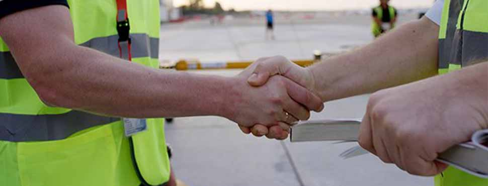 Deliver Better Customer Service by Breaking Down Internal Barriers
